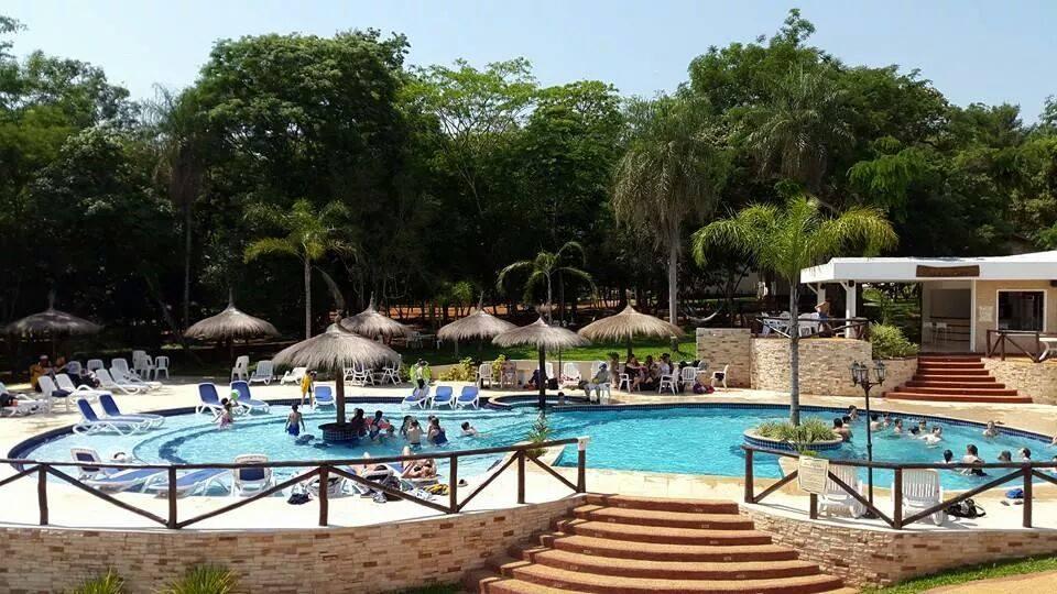 Turismo interno 10 lugares a donde ir de vacaciones for Camping en leon con bungalows y piscina